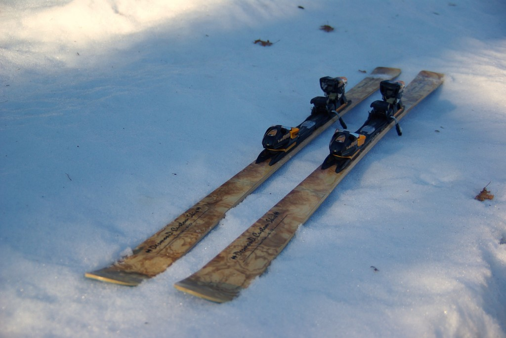 Skis complete with bindings